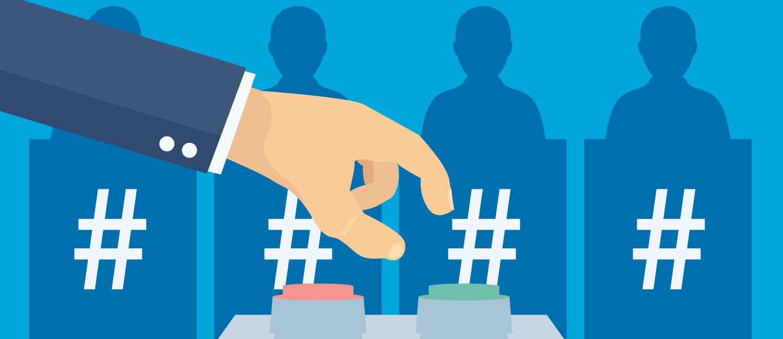 """Im Hintergrund stehen vier Personen and Rednerpulten, die jeweils mit einem Symbol für """"Hashtag"""" versehen sind. Im Vordergrund ragt eine Hand ins Bild, welche die Wahl zwischen zwei Druckknöpfen (in rot und grün) hat."""