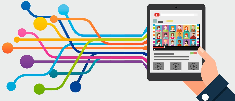 Auf einem Tablet werden Videostreams empfangen.